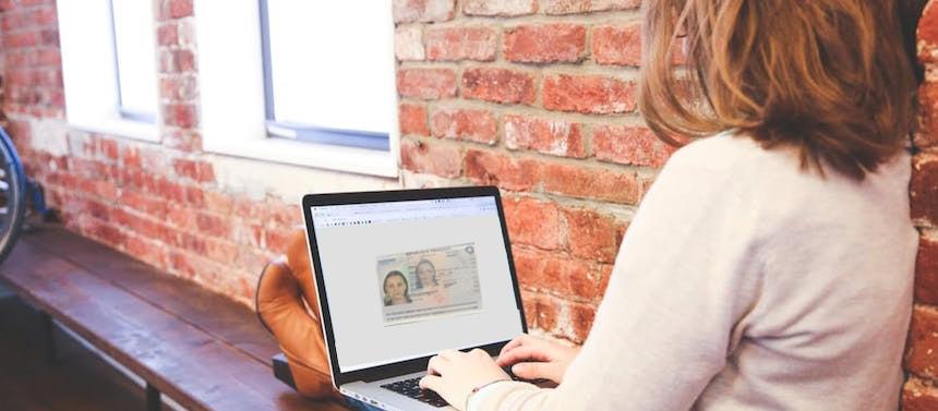 Comment conserver et protéger vos documents en voyage