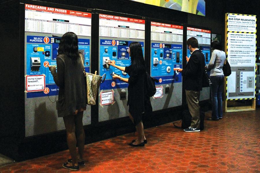 Métro : comment utiliser les distributeurs ?