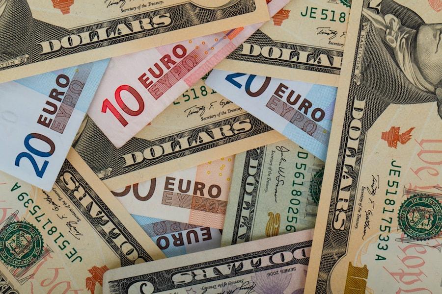 Où changer ses euros en dollars ?
