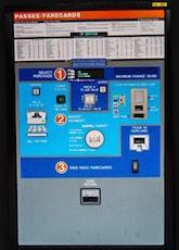 Exemple d'une Fare Vending Machine à une station de métro de Washington