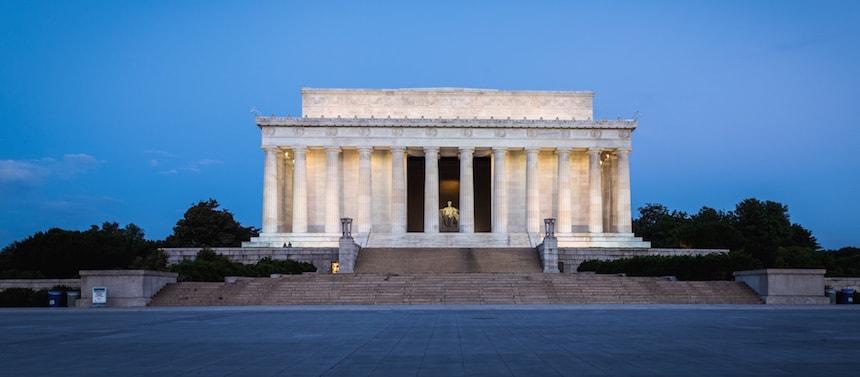 Le Lincoln Mémorial à l'aube